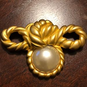 Vintage Extra Large Gold Pearl Brooch